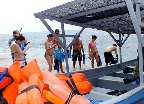 cahuita Tour 2 - Cahuita Boat, Snorkel & Hiking Trip